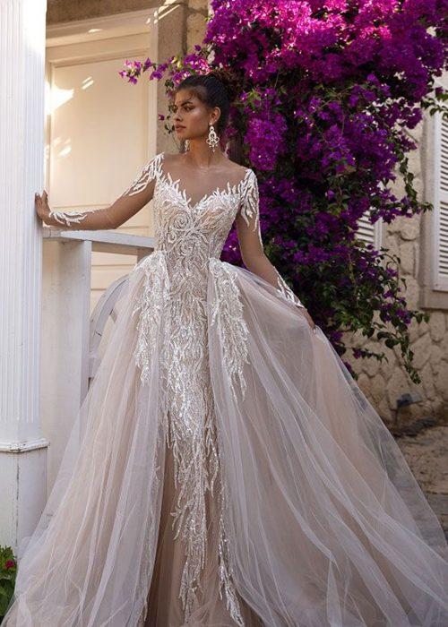 Vestuvinės suknelės 2021-siems. Papildomas/prisegamas sijonas bus madingas 2021 metais.
